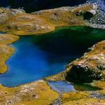 Bingöl'ün Neyi Meşhur? Bingöl Kös Kaplıcası, Bingöl Soğuksu Mesiresi, Buzul Gölleri, Bingöl Kiğı Kalesi, Bingöl Yüzen Ada (Turnalar Gölü), Kartal (Karakuş) Halkoyunu