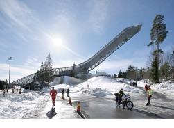 Holmenkollen_Ski_Jump_HuftonCrow_051_2